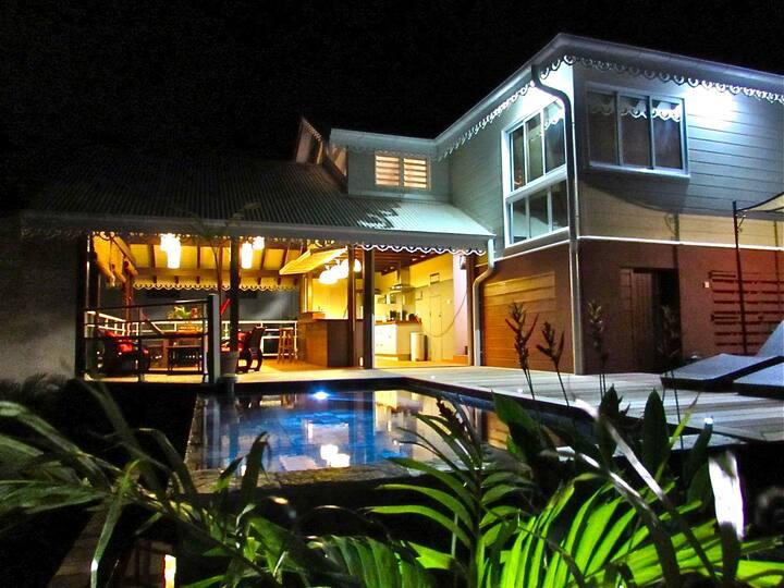 Villa créole avec vue mer et piscine