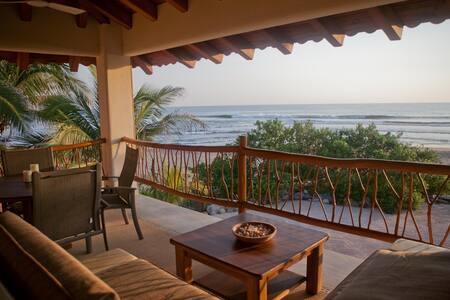 Casa Oasis Penthouse— the perfect swim beach