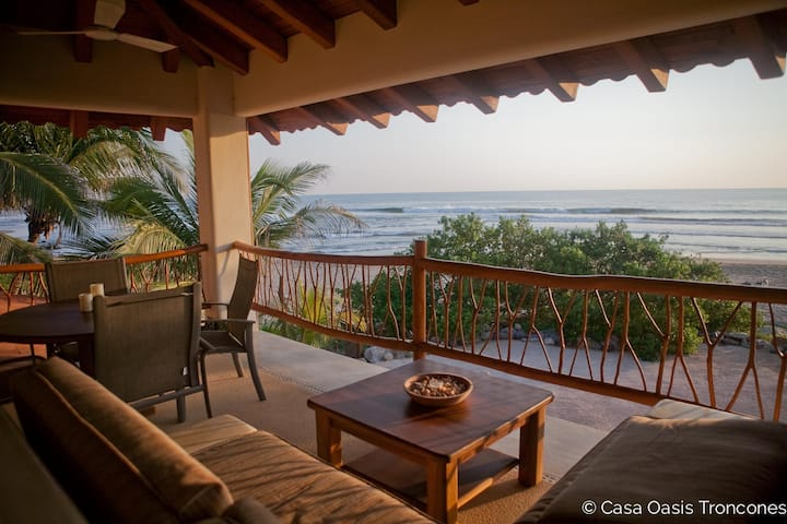 Casa Oasis Penthouse— the perfect swim beach