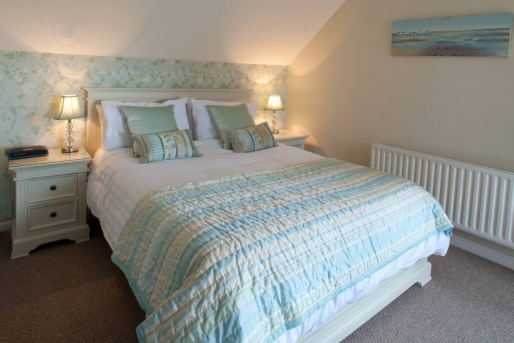 Newly decorated in Laura Ashley bedding and furniture