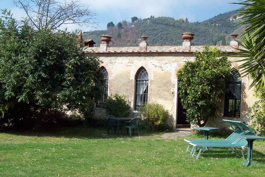Limonaia Di Antica Villa Nobiliare Con Piscina Villas