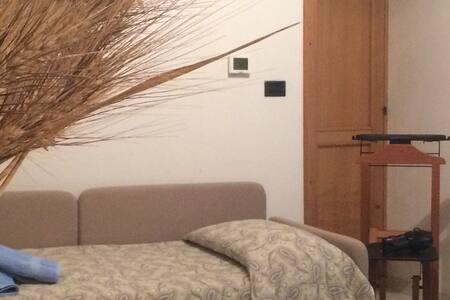Comodo soggiorno in camera singola - Melfi