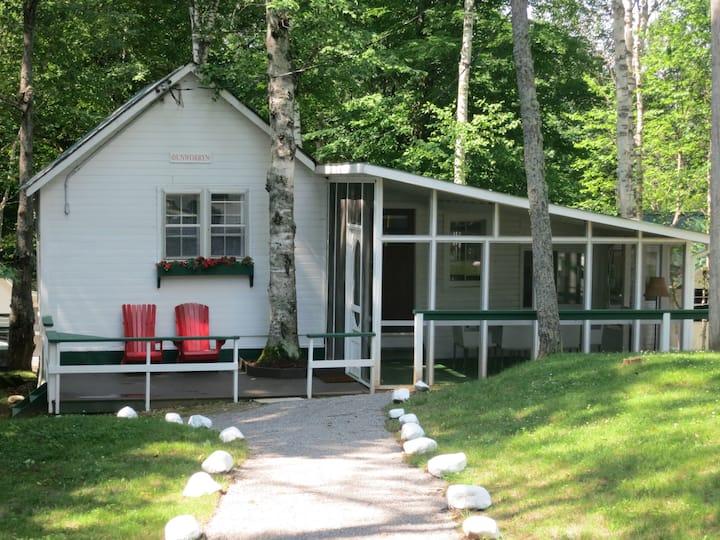 Dunworryn Cottage at Birch Cliff Lodge