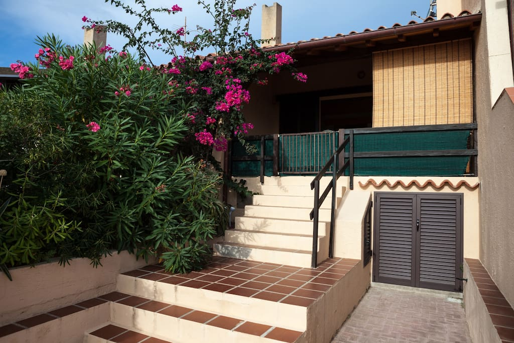 Ingresso di casa - House's entrance with private parking