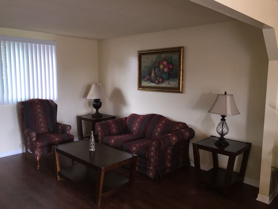 living room pictures lovely room free wifi amp parking 1c townhouses for rent 12496