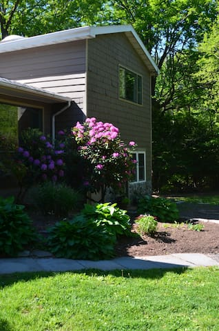 Lovely Creekside Spacious 2BR