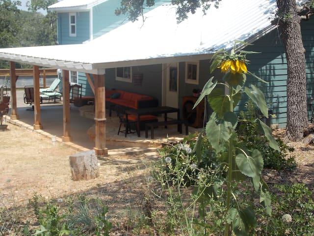 Magnolia's House - Cedar Creek