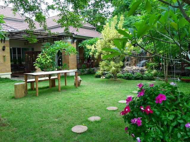 清迈家庭花园别墅度假屋,四房,可单租或全包,提供接送服务,中文英文导游 - chiangmai - Casa