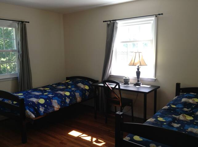 (B) Princeton Room with 2 Twin Beds