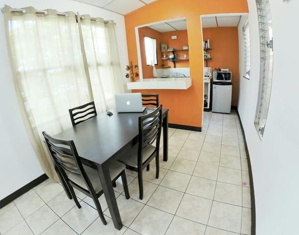 The Good feeling Airbnb - Managua - Huis