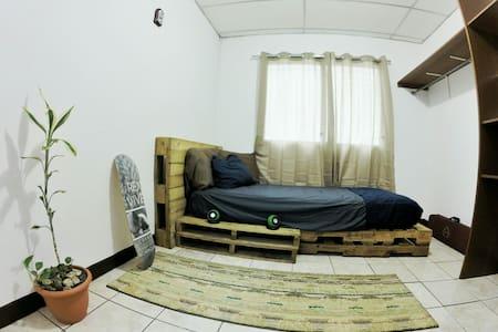 Zwischenmiete Managua & Wohnen auf Zeit - Airbnb Managua, Managua ...