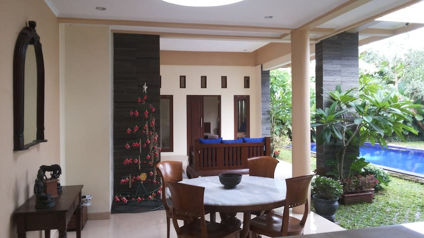 HOUSE NORTH EAST YOGYAKARTA - Kecamatan Depok - Dom