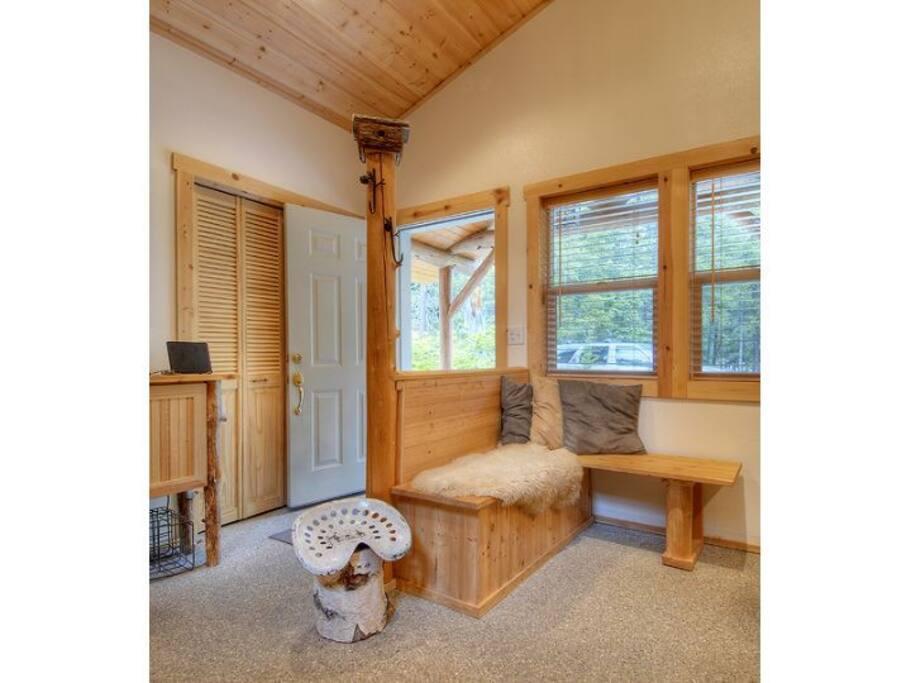Main Cabin - Entry