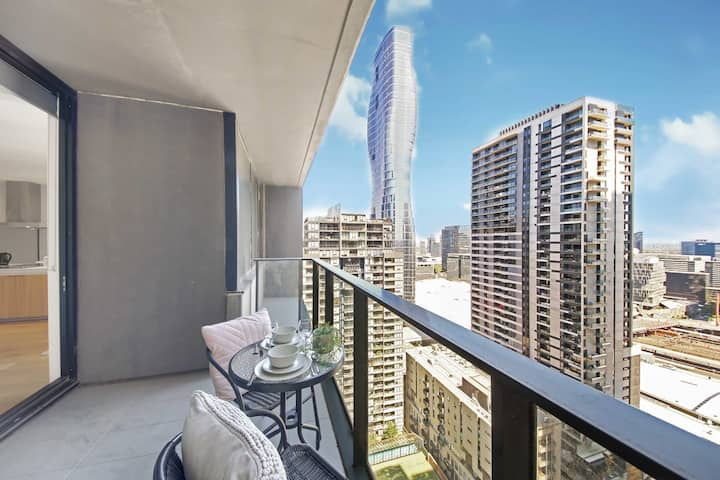 ♥ NEW! ♥ A Cozy 2BR Apt Next To Southern Cross With City Views