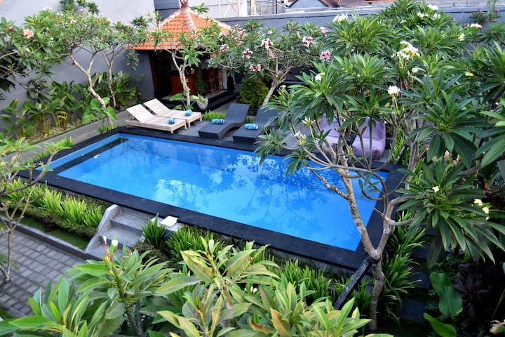 La House Loft Bedroom in Seminyak - นอร์ธคูตา