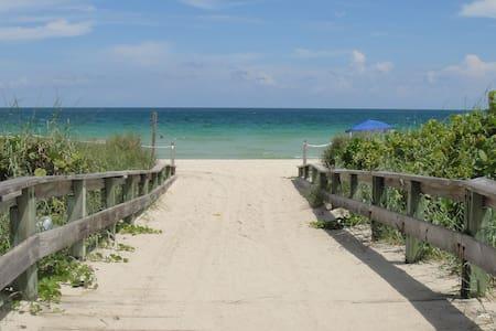 MIAMI BEACH 2 BLOCKS TO THE BEACH!! - Miami Beach - Appartement