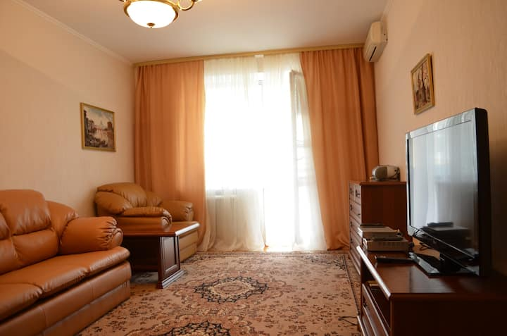 One-bedroom apt near Maidan (10 Mala Zhytomyrska)