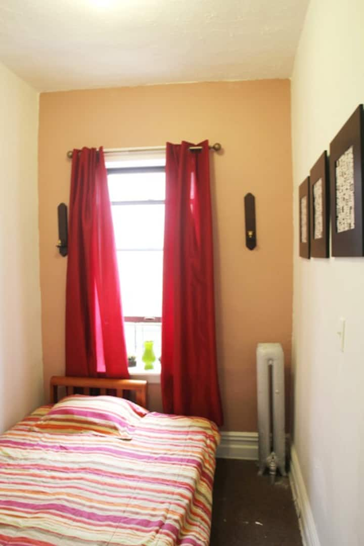 Affordable and Cozy in Sunset Park