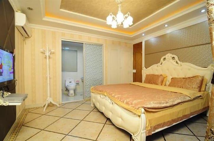 贵族----欧式大床房 - 嘉兴市 - Dom
