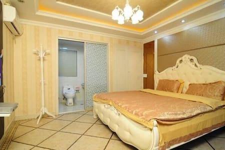 贵族----欧式大床房 - 嘉兴市
