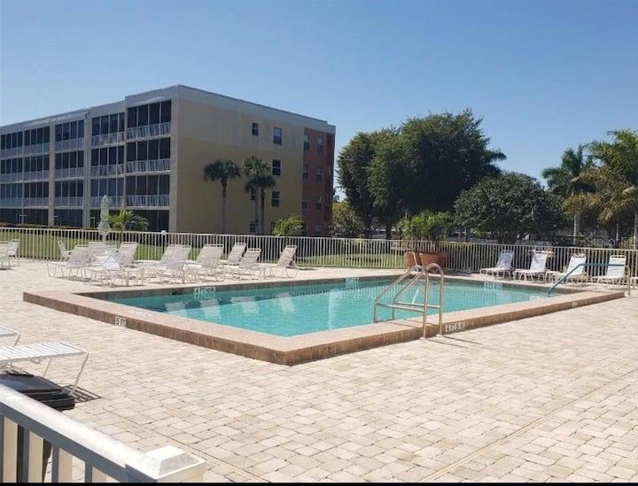 Sunny Florida Condo #2!