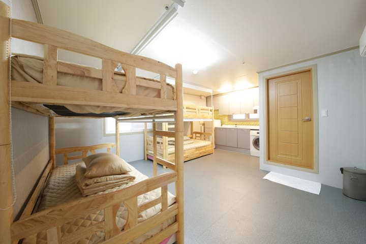 Familie Guesthouse Busan 4 bed Dormitory(Female)