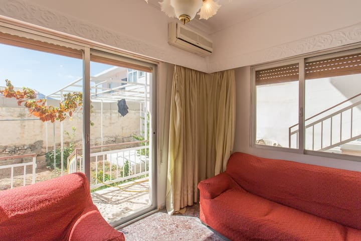 spacious 70 sqm2 flat at Salamina  - Salamina - Daire