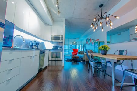 Fully Furnished - King St. West - Toronto - Apartment