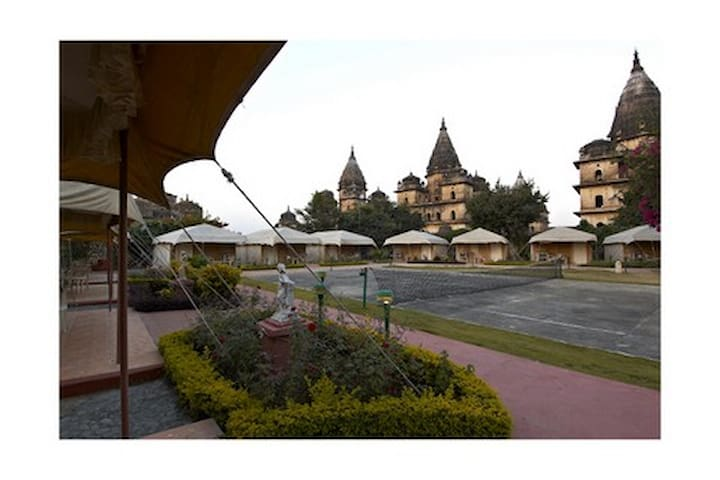 Luxurious A/c Tent in Orchha with Swimming pool - Orachha - Namiot