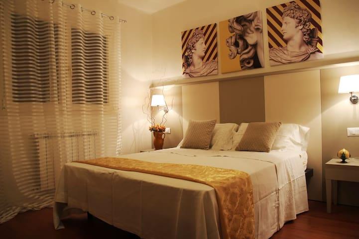 Suite Apollo dimora Conte Ardi - Santeramo In Colle - Bed & Breakfast