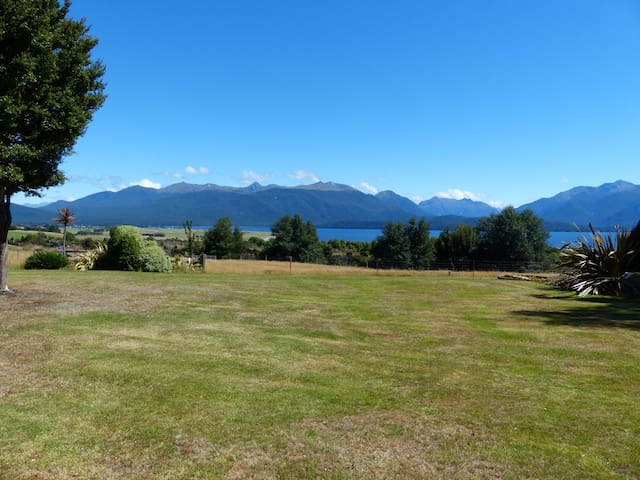 Perenuka Lakeview Cottage, Te Anau - Te Anau - วิลล่า
