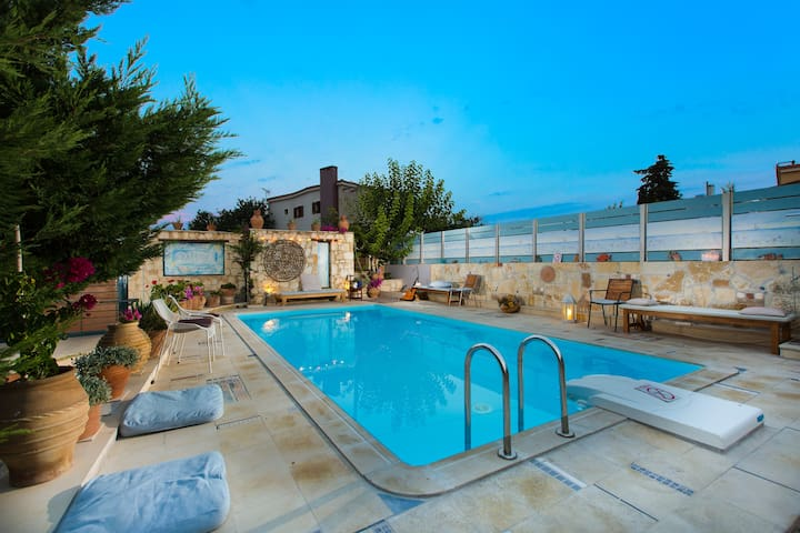 Villa Notos near Rethymno center & the beach
