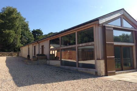 Luxurious barn-conversion near Bath - Corsham - Casa