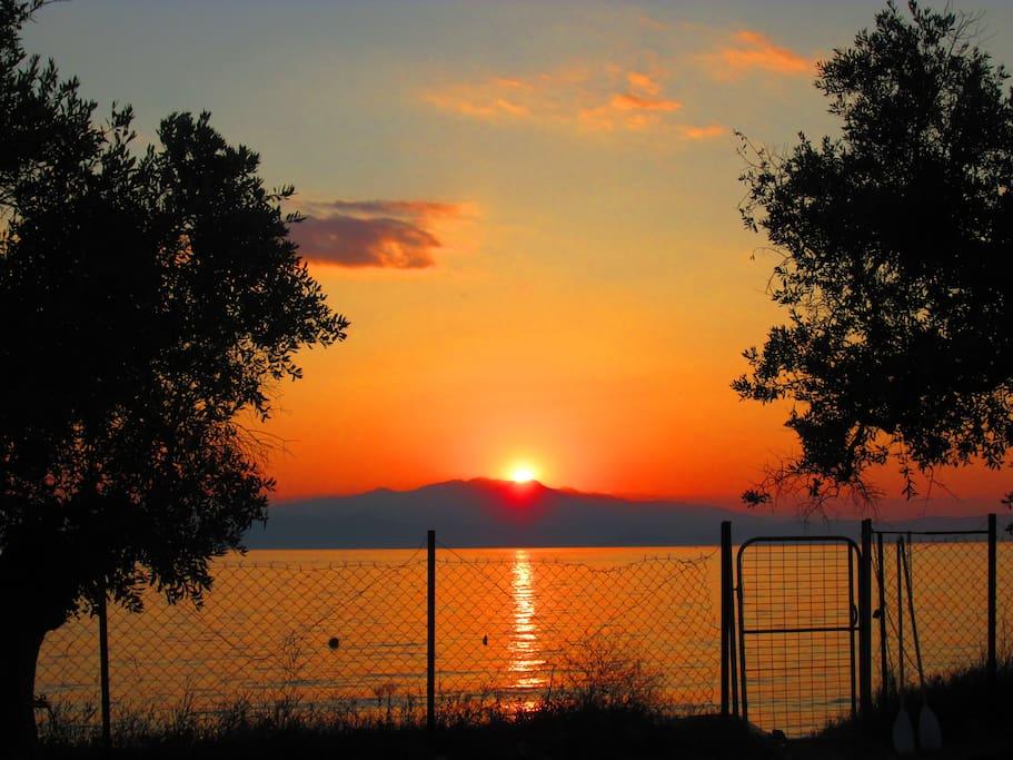 Allabendlicher Sonnenuntergang