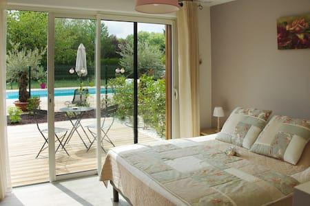 Chambre privée proche Chambord 03 - Mer