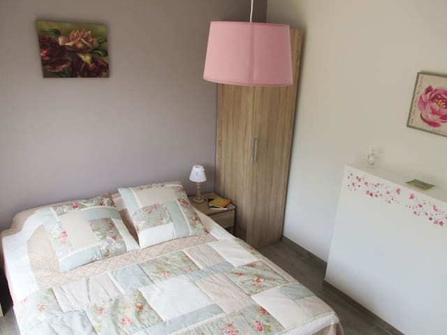 Chambre privée proche Chambord 03 - Mer - Bed & Breakfast