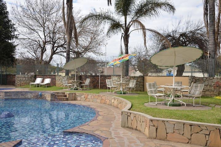 Cresta Oasis Apartments Unit 1 - Harare - Huoneisto