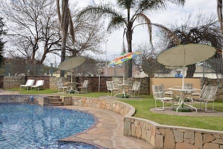 Cresta Oasis Apartments Unit 1 - Harare