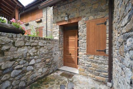 Apartamento rústico en Escunhau - Escunhau