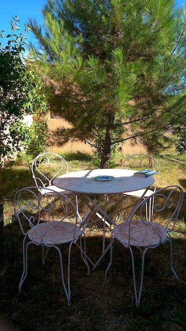 Déjeuner sous le pin