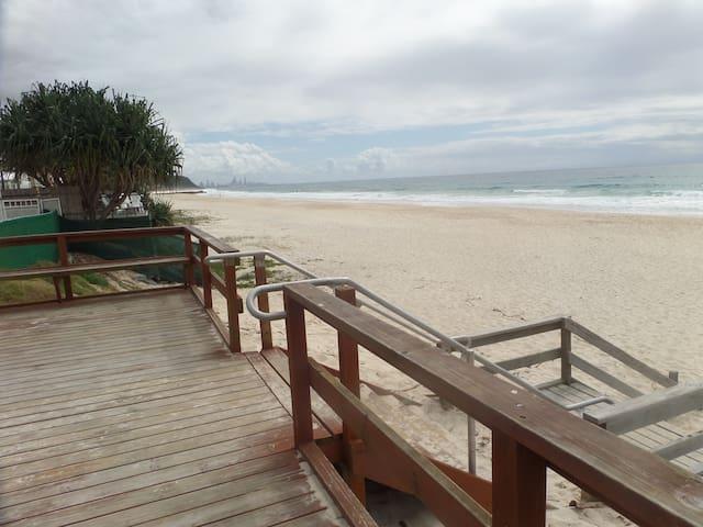 GOLD COAST PALM BEACH CENTRAL BEACH SIDE