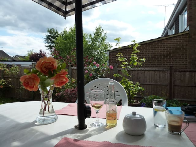 newly refurbished room St Albans - St Albans - House