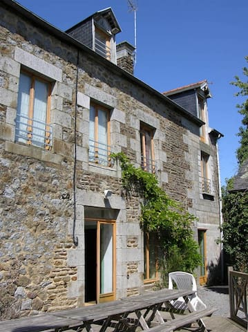 MAISON BERNICE - Montanel - Ev