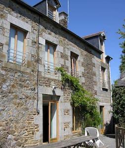 MAISON BERNICE - Montanel - Rumah