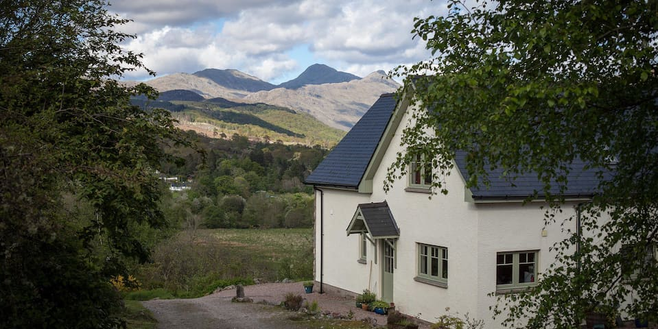 Honeysuckle House 5* Self-catering - Strontian - Hus