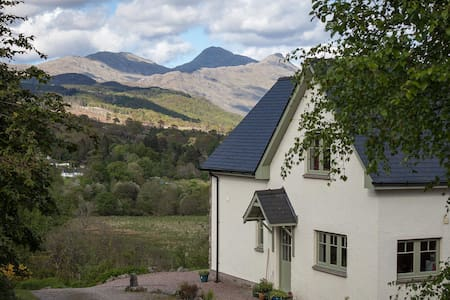 Honeysuckle House 5* Self-catering - Strontian