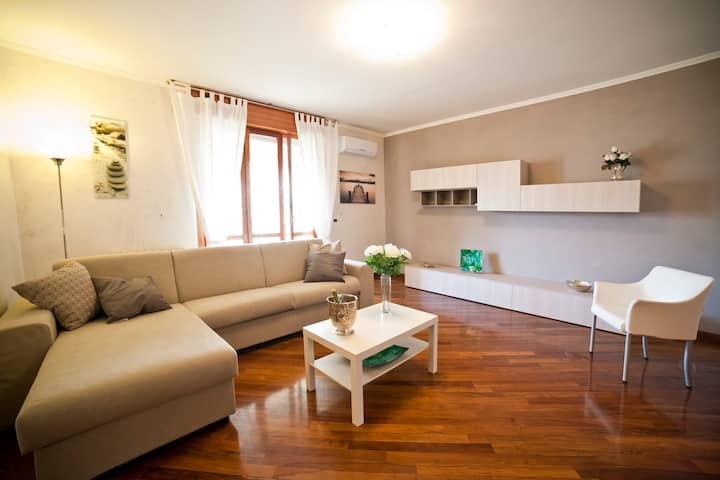 Roma Eur Appartamento intero 6 pax