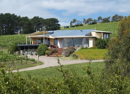 Blue Grape Vineyard Accommodation - Willunga South