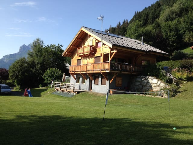 grand T2 (47m²)  4 personnes + terrasse + pelouse