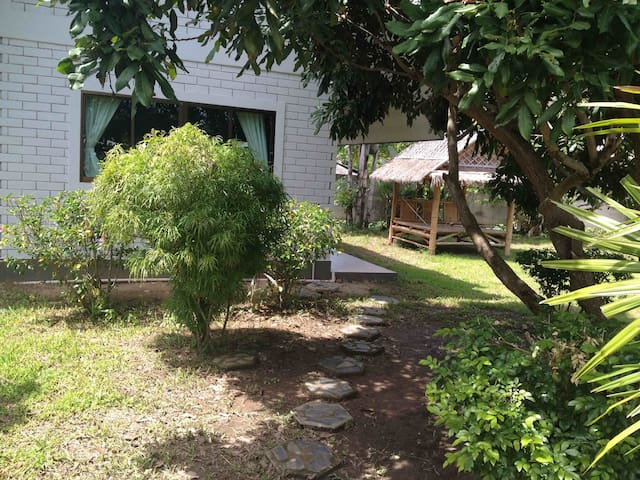 Next to TAO Garden House 1 - Luang Nuea - House
